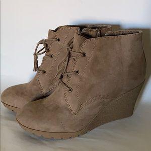 Mia wedge heel ankle beige boots 8.5 NWOT